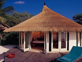 banyan tree vabbinfaru resort maldives - deluxe ocean view villa exterior