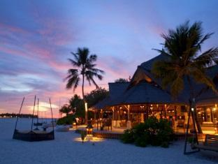 banyan tree vabbinfaru resort maldives - main bar