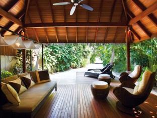 baros maldives resort - baros residence terrace
