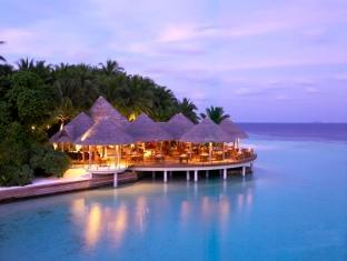baros maldives resort - cayenne grill