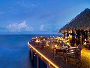 beach house waldorf astoria resort maldives - saffron