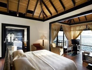 beach house waldorf astoria resort maldives - water villa