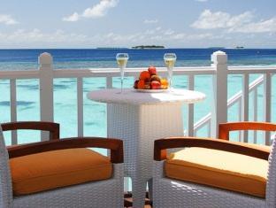 centara grand island resort maldives - in villa dining
