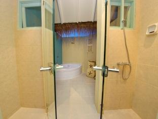`chaaya reef ellaidhoo resort maldives - bathroom