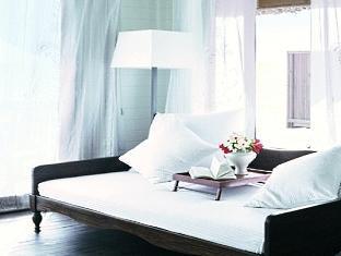 cocoa island resort maldives - dhoni suite interior