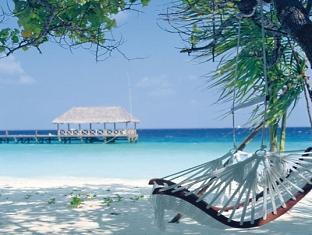 cocoa island resort maldives - island life