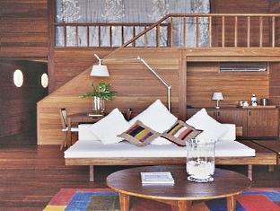 cocoa island resort maldives - loft villa lounge