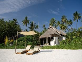 coco palm boduhithi resort maldives - beach