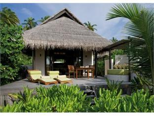 coco palm boduhithi resort maldives - guestroom