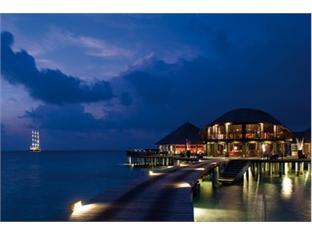 coco palm boduhithi resort maldives - restaurant