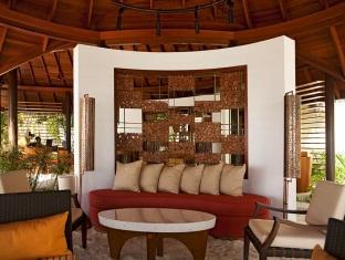 constance halaveli resort maldives - reception