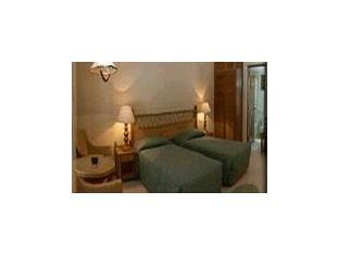 fihaalhohi tourist resort maldives - guestroom