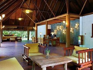filitheyo island resort maldives - hotel interior