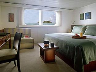 four seasons maldives landaa giravaru resort - guestroom