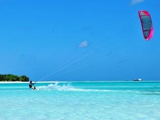 fun island resort maldives - kite surfing