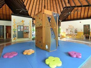 hilton maldives iru fushi resort maldives - playground