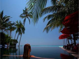 hilton maldives iru fushi resort maldives - swimming pool