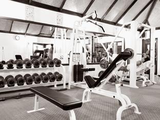 holiday island resort maldives - fitness room