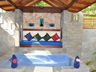 holiday island resort maldives - spa