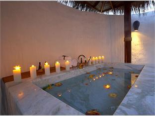island hideaway atdhonakulhi resort maldives - bathroom
