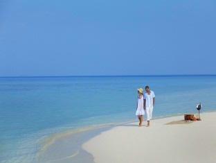 kandooma resort maldives - beach