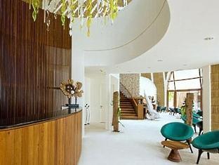 kandooma resort maldives - reception