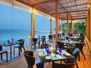 kandooma resort maldives - the kitchen