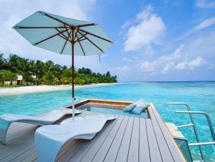 kandooma resort maldives - watervilla private deck