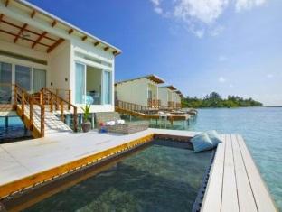 kandooma resort maldives - watervilla terrace