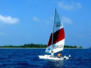 komandoo island resort maldives - cataraman