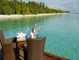 komandoo island resort maldives - restaurant