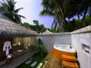 kuramathi island resort maldives - bathroom