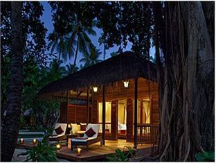 kuramathi island resort maldives - beachvilla