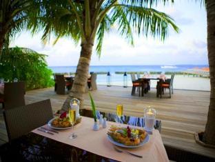 kuramathi island resort maldives - restaurant