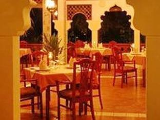 kuramathi island resort maldives - tandoormahal restaurant