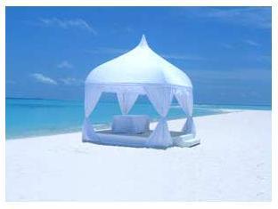 kuredu island resort maldives - beach