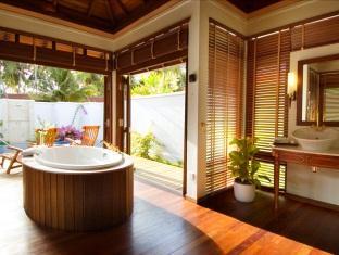 kurumba resort maldives alqasr - royal kurumba residence bath room