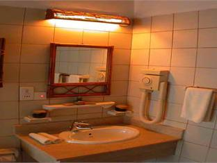 makunudu island resort maldives - bath room