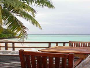 makunudu island resort maldives - coffee shop cafe