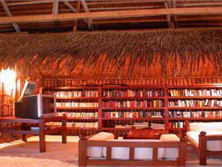 makunudu island resort maldives - hotel interior