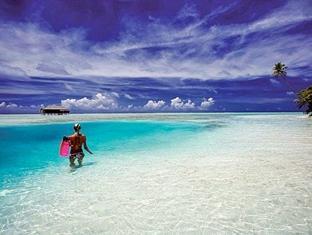 medhufushi island resort maldives - beach