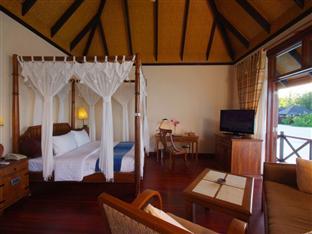 olhuveli beach spa resort maldives - deluxe water villa