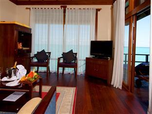 olhuveli beach spa resort maldives - honeymoon water suite