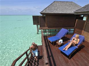 olhuveli beach spa resort maldives - jacuzzi water villa sun deck