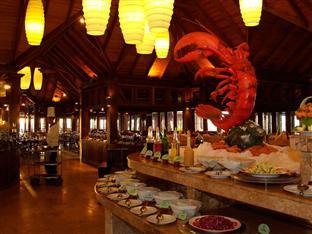 olhuveli beach spa resort maldives - sunset restaurant