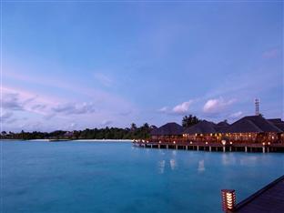 olhuveli beach spa resort maldives - sunset restaurant exterior