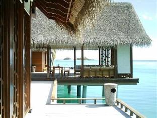 one only reethi rah resort maldives - dive center
