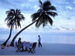 shangrilas villingili resort maldives - Beach dining