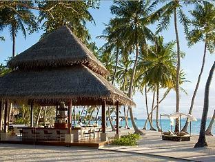 shangrilas villingili resort maldives - endheri pool bar