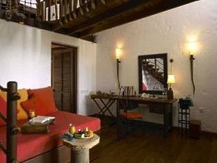 soneva fushi resort maldives - crusoe villa living room